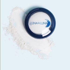 Translucent Setting Powder BY LUNA COSMETICS